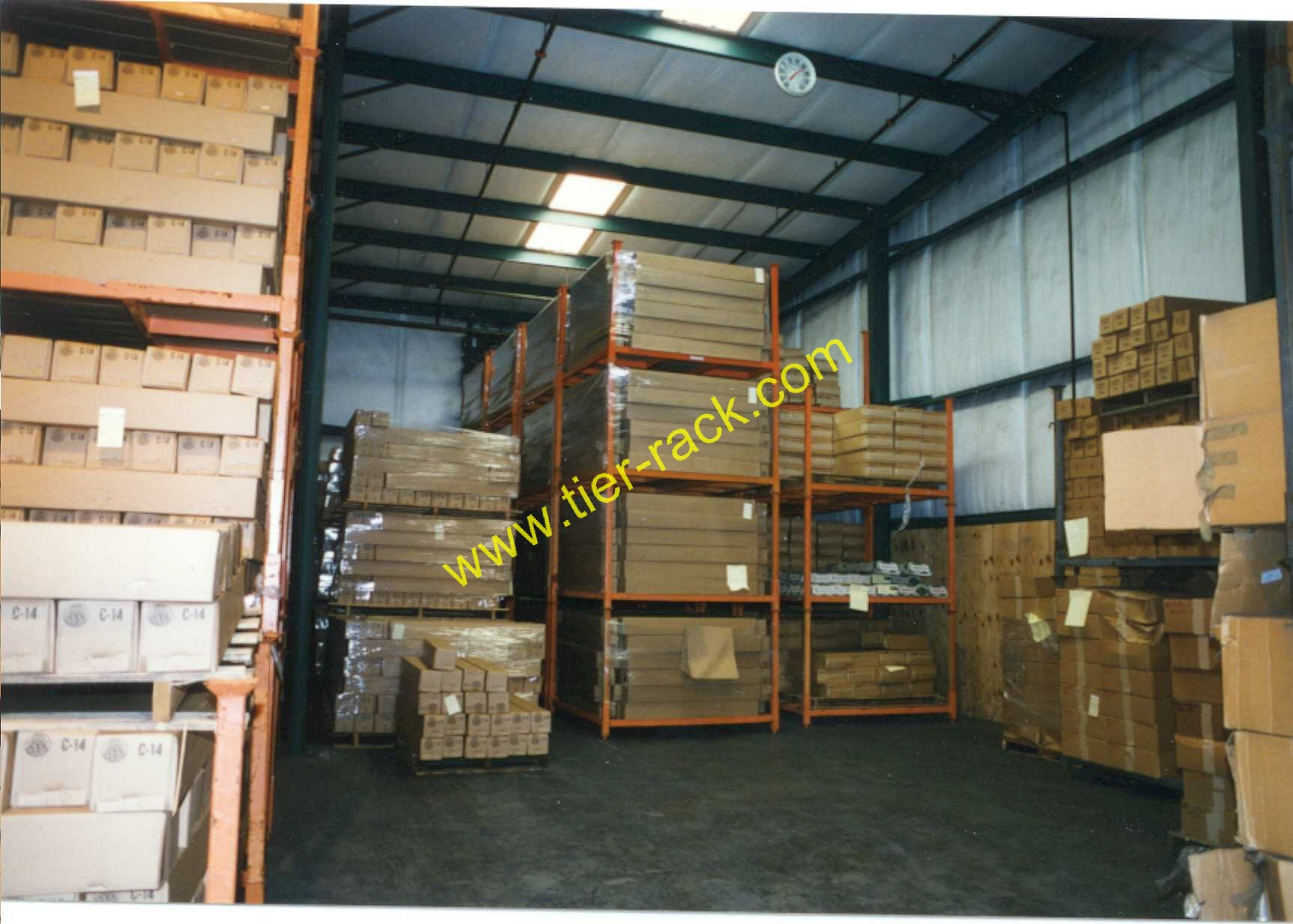 Movable racks are an excellent choice for Distribution Centers